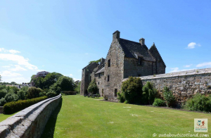 Aberdour Castle (10 of 17)