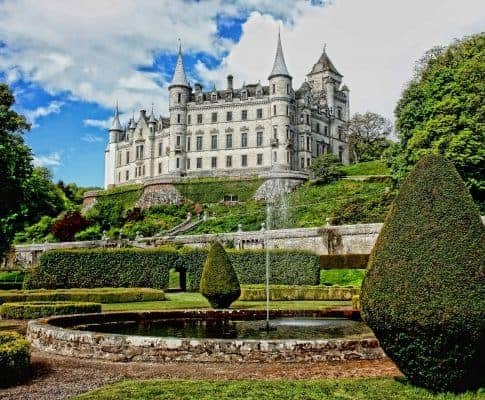 A Guide To: Dunrobin Castle