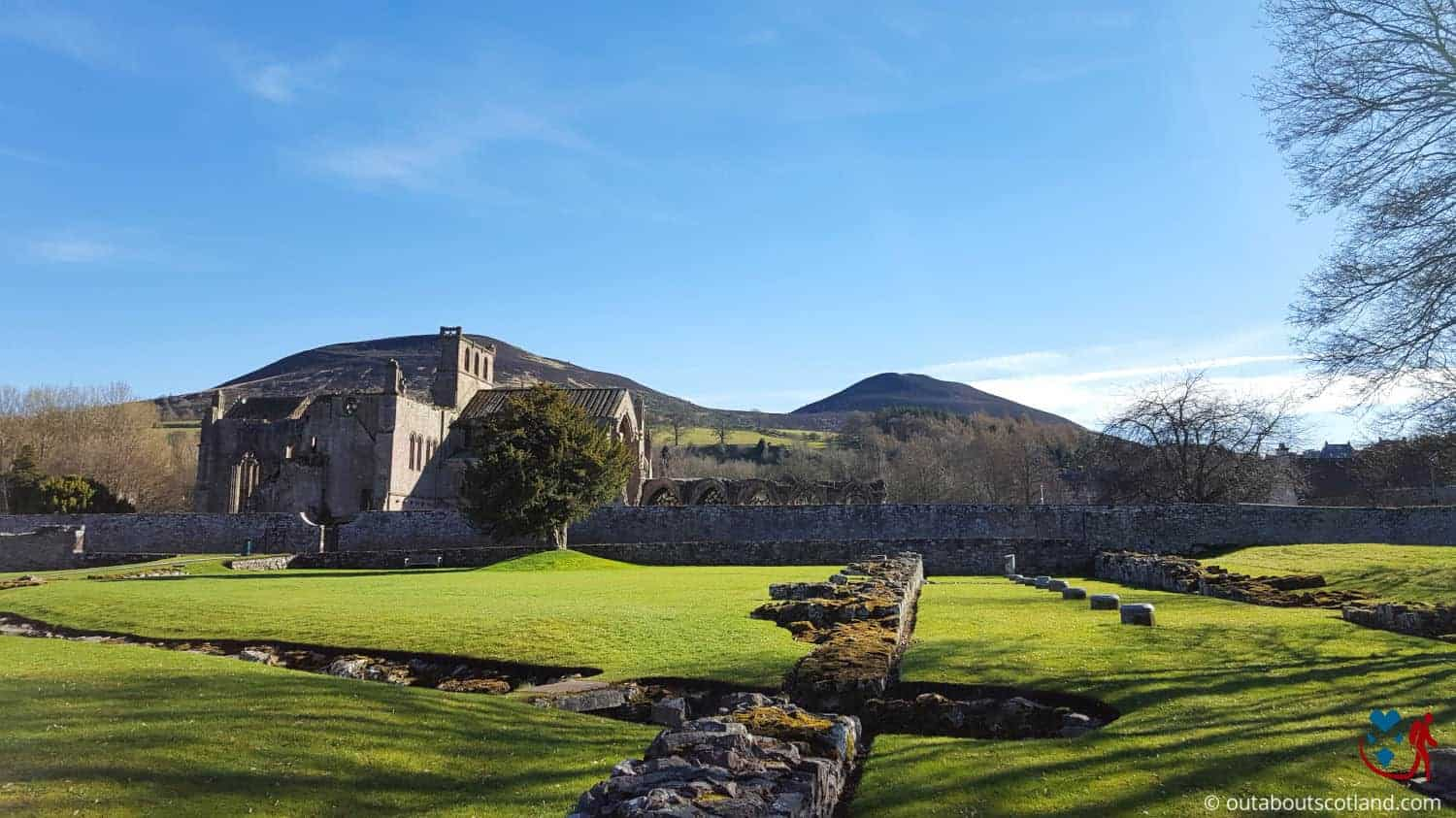 Melrose Abbey (9 of 9)